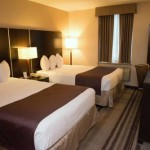 Days Inn JFK Airport bed room with 2 queen sized beds
